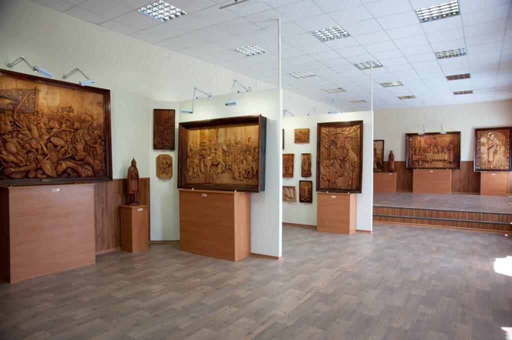 Ушла из жизни директор галереи деревянной скульптуры Георгия Короткова  — Ирина Георгиевна  Бабурина-Короткова - 13944