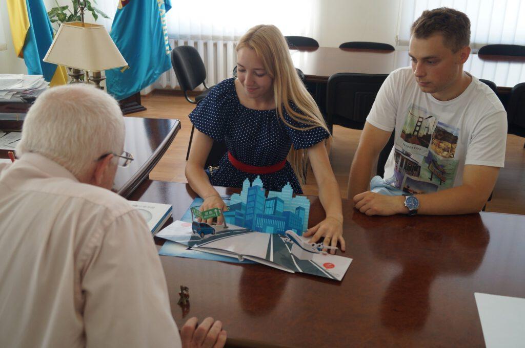 Студенти ПДТУ Катерина Голюк та Артем Синенко про поїздку в Париж - 1388