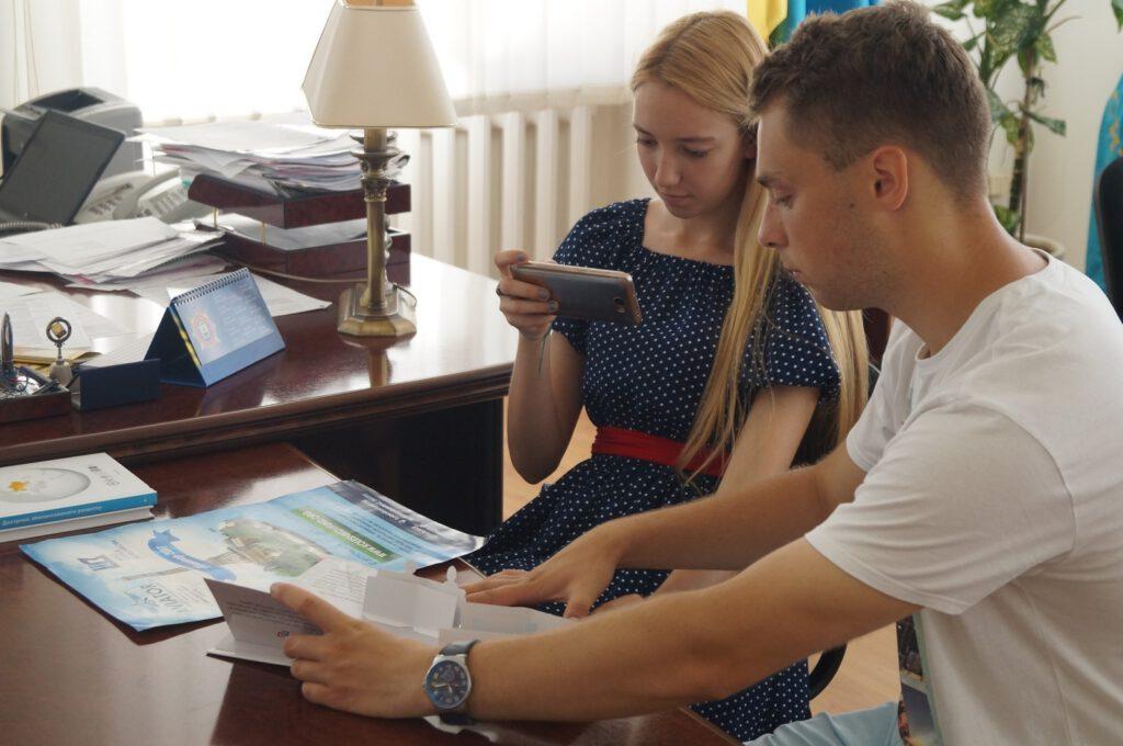 Студенти ПДТУ Катерина Голюк та Артем Синенко про поїздку в Париж - 1392