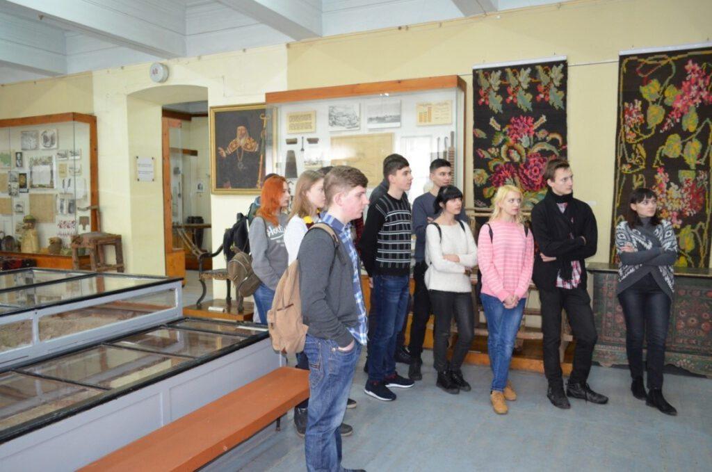 Екскурсія в Маріупольський краєзнавчий музей