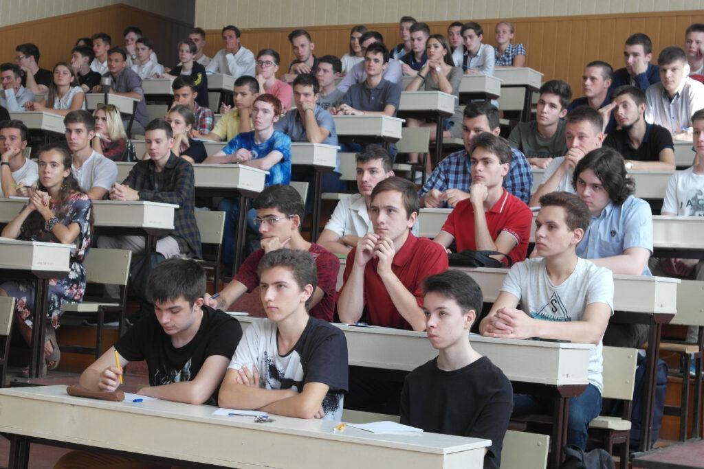 студенти факультету на заняттях